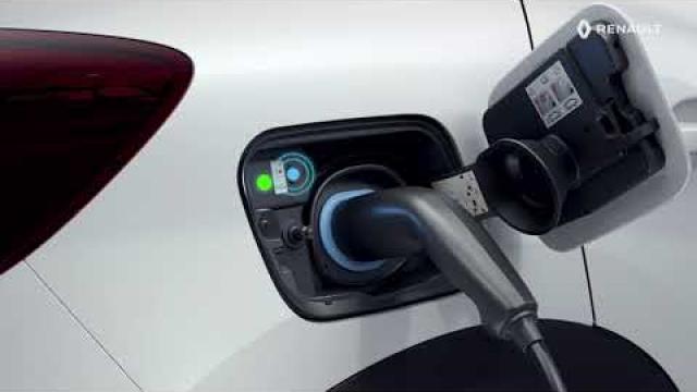 E-TECH PLUG-IN HYBRID - A meghajtó akkumulátor töltése